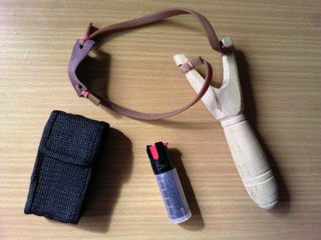 электрошок, газовый баллончик,средства самозащиты